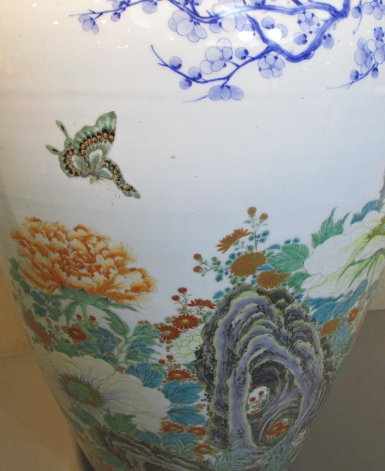 Pair of Japanese Fukagawa Koransha Blue Porcelain Vases, circa 1880 In Good Condition For Sale In Vancouver, CA