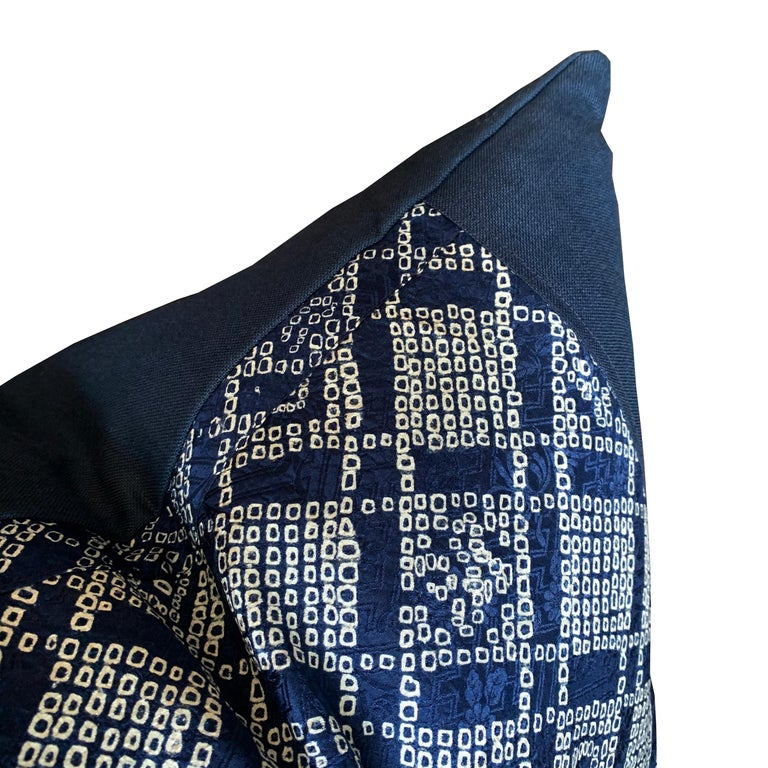 Pair of Japanese Shibori Indigo Pillows For Sale 1