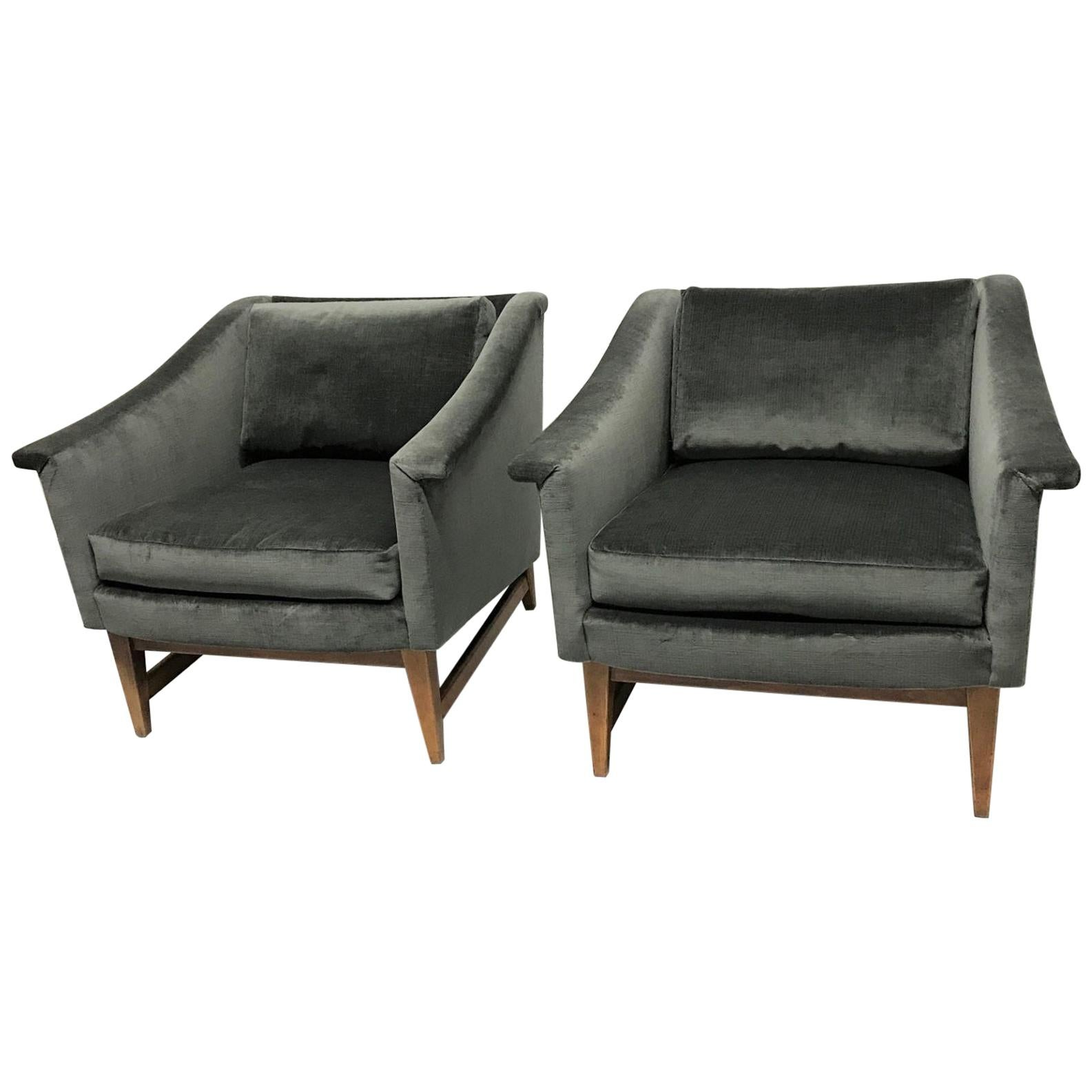 Pair of Jens Risom Style Lounge Chairs