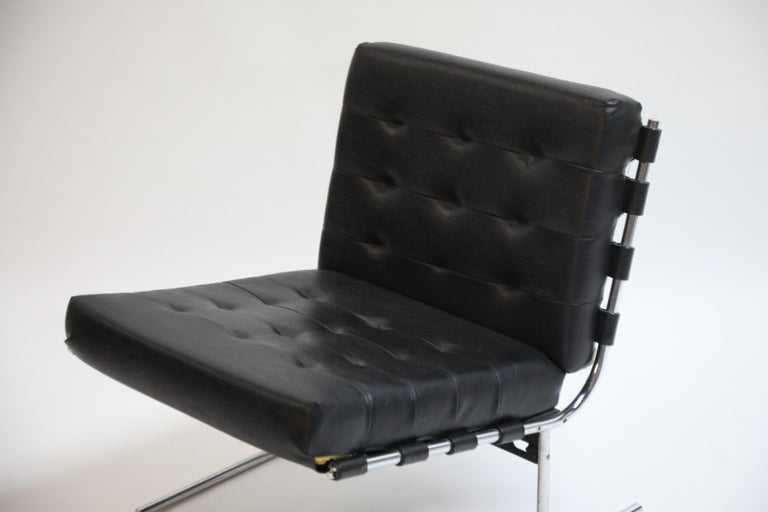 Pair of Jorge Zalszupin for L'Atalier Brazilian Modern Lounge Chairs, circa 1960 For Sale 10
