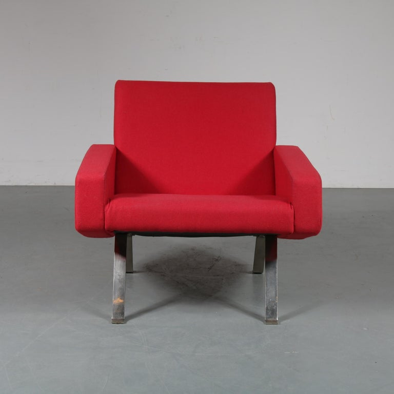 Fabric Pair of Joseph Andre Motte Lounge Chairs for Artifort, Netherlands, 1965 For Sale