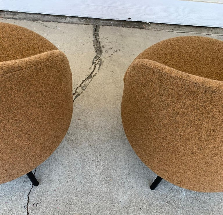 Pair of Jules Slipper Chairs by Claesson Koivisto Rune for Artflex For Sale 6