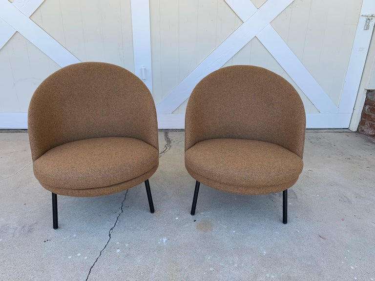 Pair of Jules Slipper Chairs by Claesson Koivisto Rune for Artflex In Good Condition For Sale In Los Angeles, CA