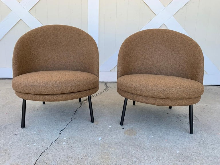 Pair of Jules Slipper Chairs by Claesson Koivisto Rune for Artflex For Sale 1