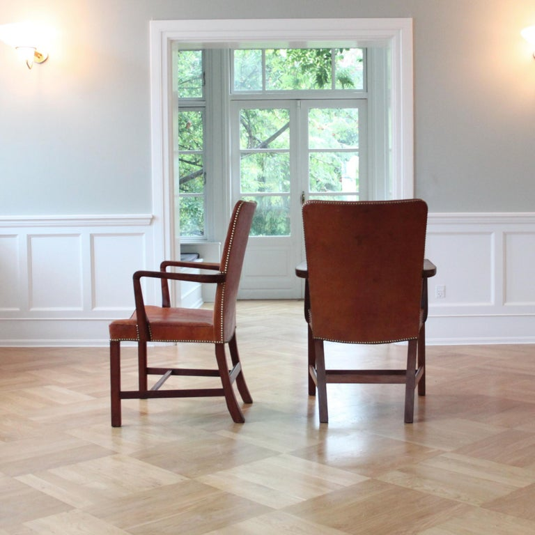 Pair of Kaare Klint 'Nørrevold' Armchairs in Patinated Niger Leather In Good Condition For Sale In Copenhagen, DK