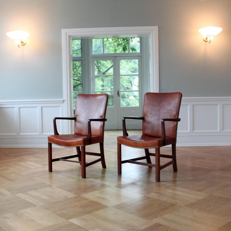 20th Century Pair of Kaare Klint 'Nørrevold' Armchairs in Patinated Niger Leather For Sale