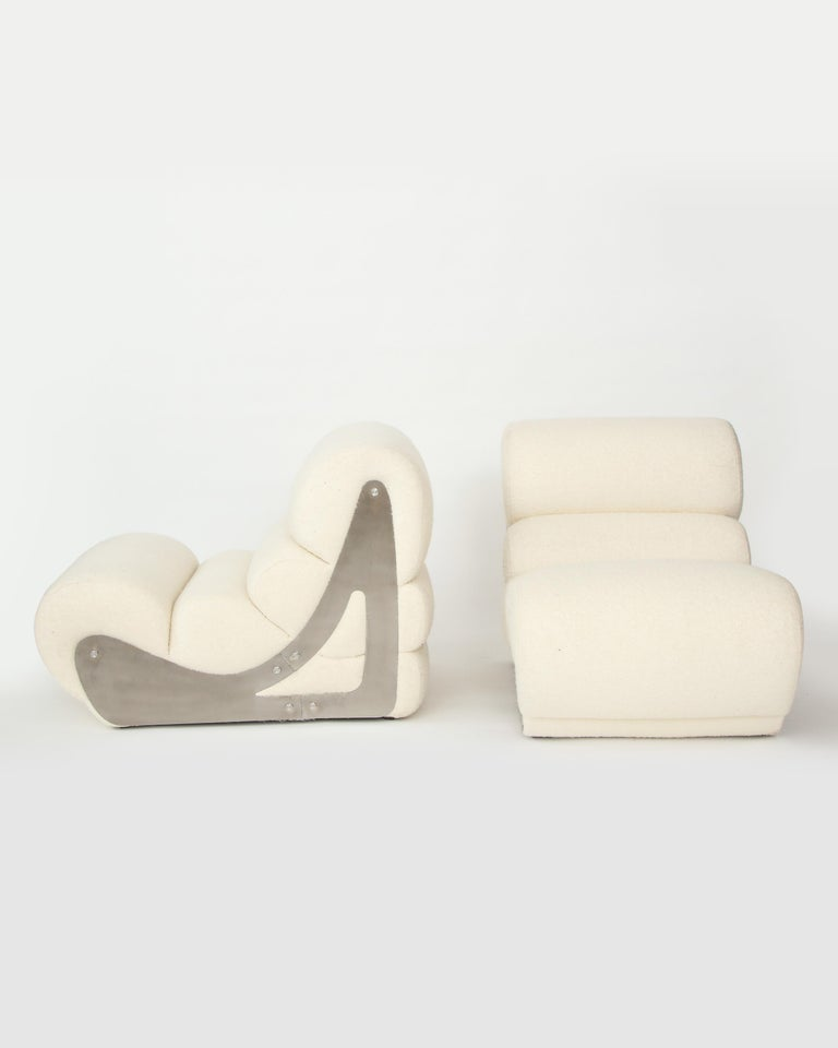 French Pair of Sculptural Kappa Slipper Chairs, 1970s France For Sale