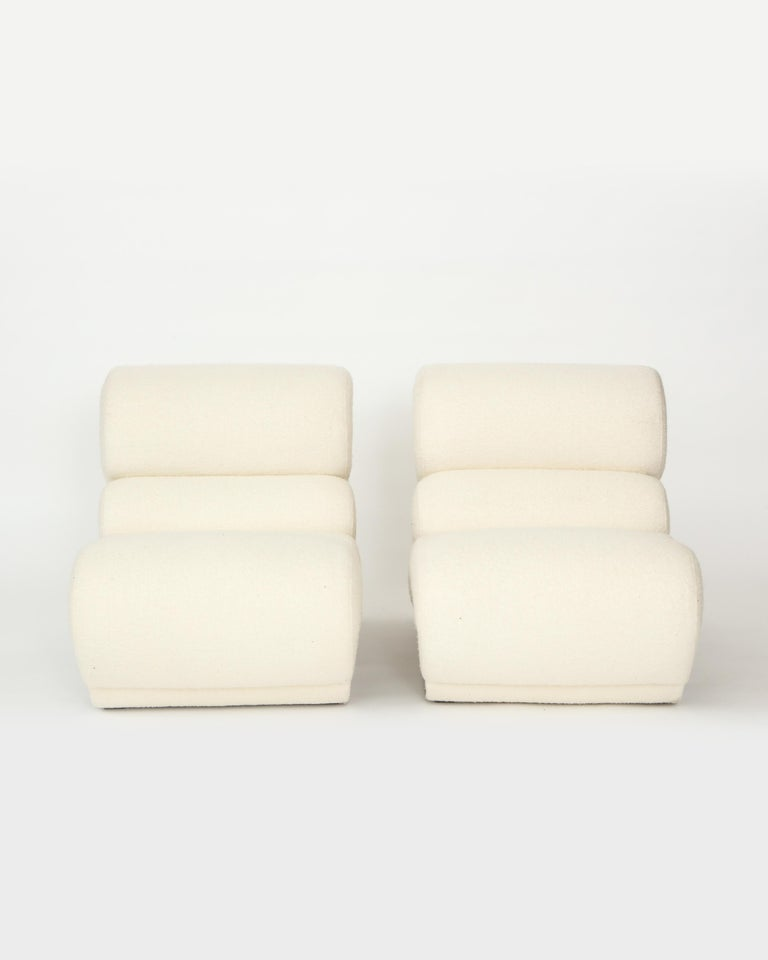 Pair of Sculptural Kappa Slipper Chairs, 1970s France In Excellent Condition For Sale In New York, NY