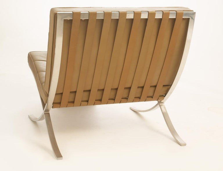Pair of Knoll Barcelona Chairs Tan Leather 1960s Mies van der Rohe In Good Condition For Sale In Buffalo, NY