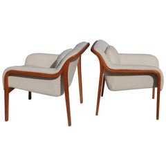 Pair of Knoll Bill Stephens Model 1315 Lounge Chairs