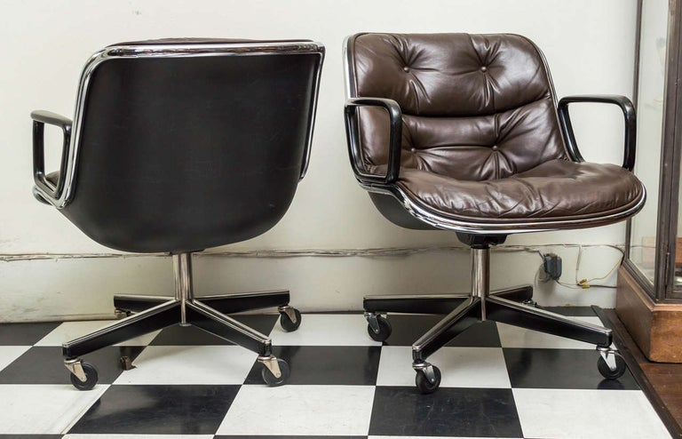 20th Century Pair of Knoll Black Leather Pollock Executive Armchairs
