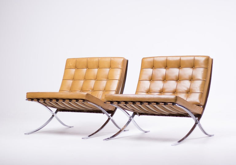 Pair of Knoll Cognac Leather Mies van der Rohe Split Frame Barcelona Chairs For Sale 5