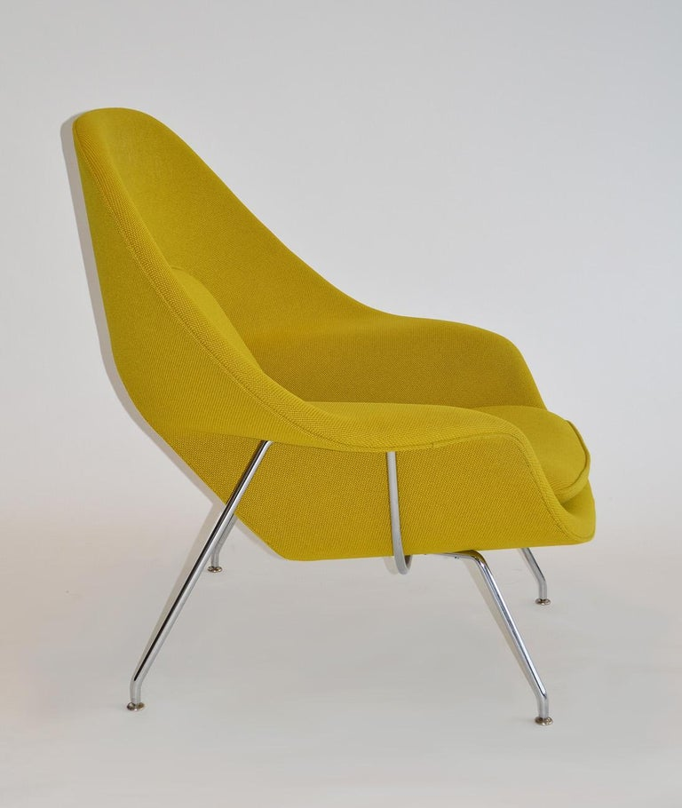 Pair of Knoll Eero Saarinen Womb Chairs and Ottomans Mid Century In Good Condition For Sale In Ft Lauderdale, FL