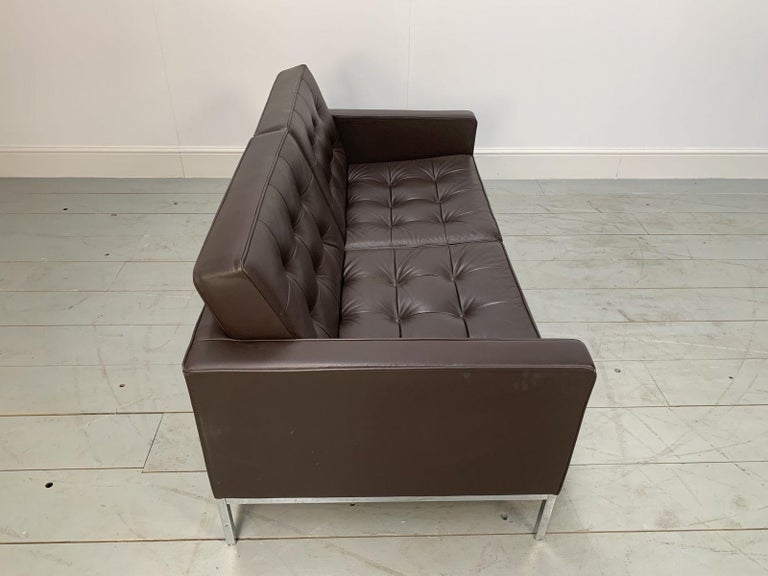 """Pair of Knoll Studio """"Florence Knoll"""" Settee Sofas in """"Sabrina"""" Brown Leather For Sale 3"""
