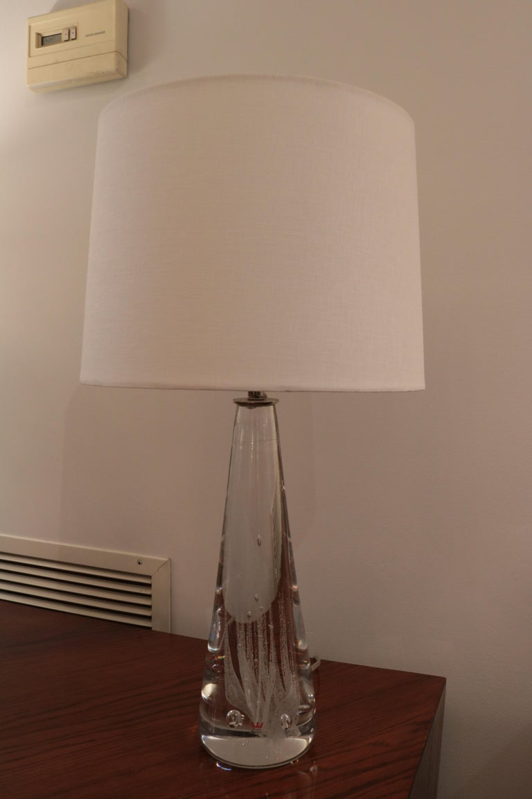 Pair of Kosta Swedish Modern Glass Table Lamps In Good Condition For Sale In New York, NY