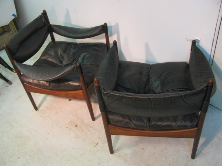 Pair Kristian Solmer Vedel Mid Century Modern Danish Rosewood and Leather Chai In Good Condition For Sale In Port Jervis, NY