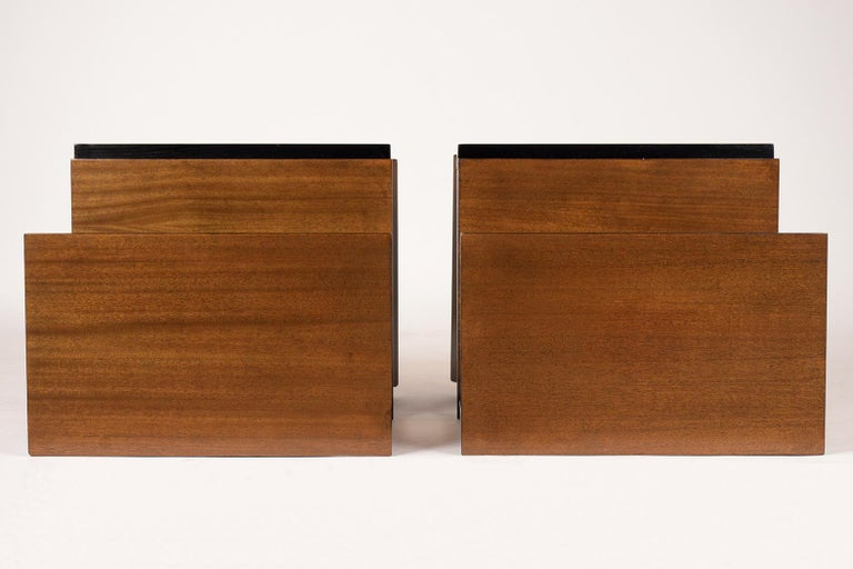 Pair of Lacquered Mid-Century Modern Style Nightstands For Sale 3