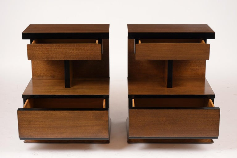 Carved Pair of Lacquered Mid-Century Modern Style Nightstands For Sale