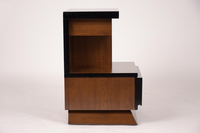 Pair of Lacquered Mid-Century Modern Style Nightstands For Sale 1