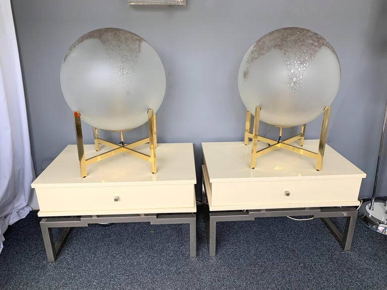 Pair of Lacquered and Metal Chrome Side Tables by Mario Sabot. Italy, 1970s In Good Condition For Sale In SAINT-OUEN, FR