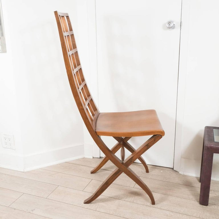 Mid-Century Modern Pair of Ladder Back Wood Chairs For Sale
