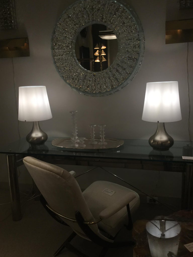 Mid-20th Century Pair of Lamps, Max Ingrand, Fontana Arte, Italy, Milan, circa 1960s For Sale