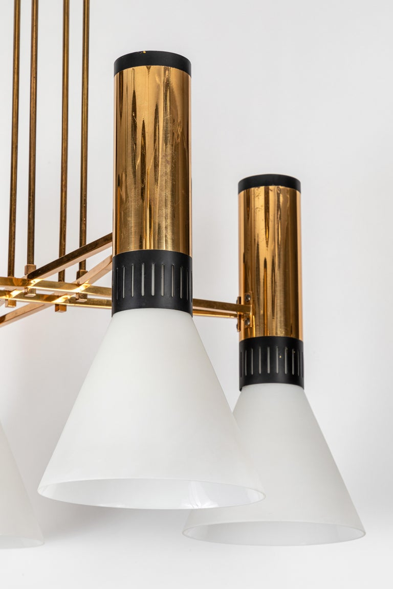 Pair of Large 1950s Stilnovo 4-Cone Model #1174 Chandeliers 7