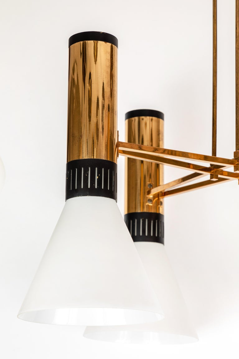 Mid-20th Century Pair of Large 1950s Stilnovo 4-Cone Model #1174 Chandeliers