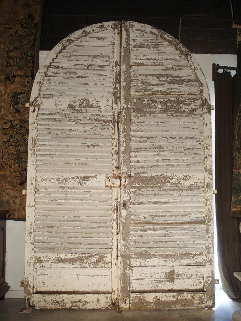 Pair of Large Antique French Door Shutters from a Chateau, 19th Century For Sale 4
