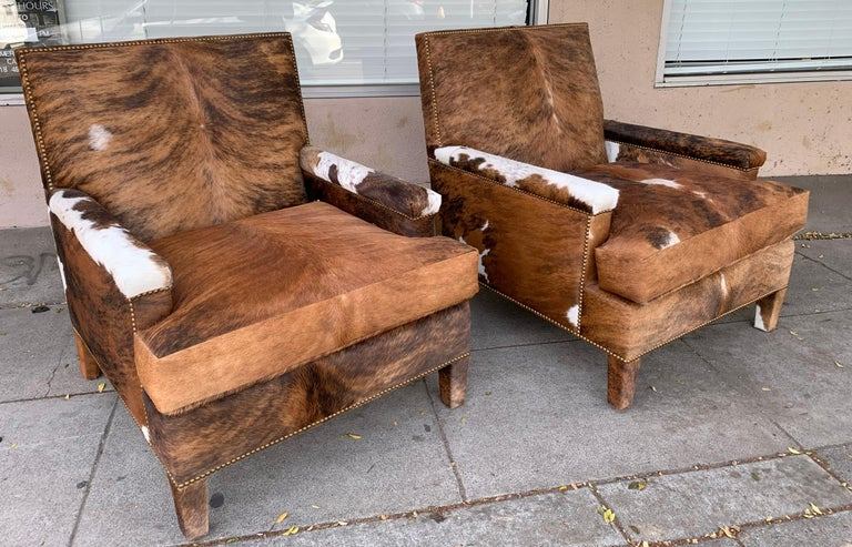 Mid-Century Modern Pair of Large Armchairs Upholstered in Cowhide Leather For Sale