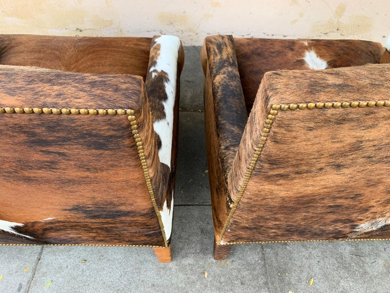 Pair of Large Armchairs Upholstered in Cowhide Leather For Sale 2