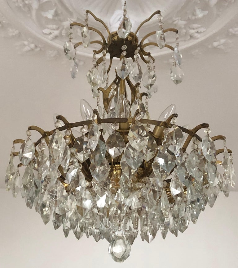 Pair of Large Austrian Crystal and Brass Chandeliers, circa 1960s In Good Condition For Sale In Wiesbaden, Hessen