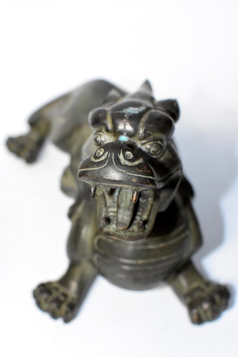 Pair of Large Bronze Pixiu Lions with Turtle Shells, Doorstops, Paperweights For Sale 14
