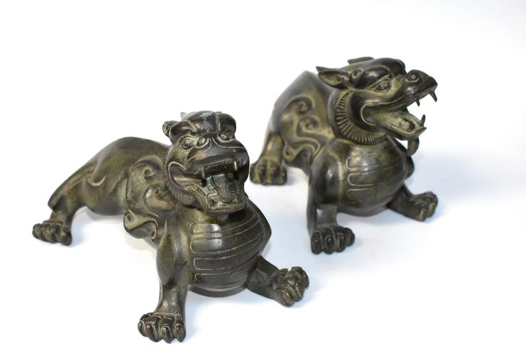 Pair of Large Bronze Pixiu Lions with Turtle Shells, Doorstops, Paperweights In Good Condition For Sale In Somis, CA