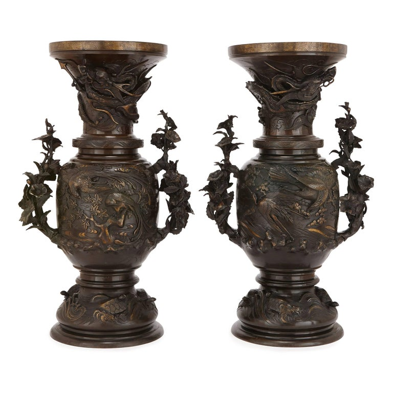 Pair of Large Bronze Vases, Japan 19th Century For Sale