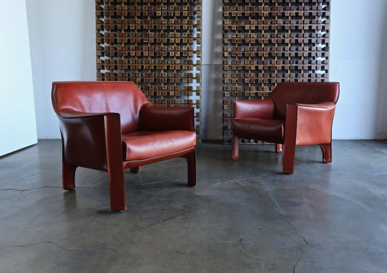 Pair of Large CAB Lounge Chairs by Mario Bellini for Cassina For Sale 3