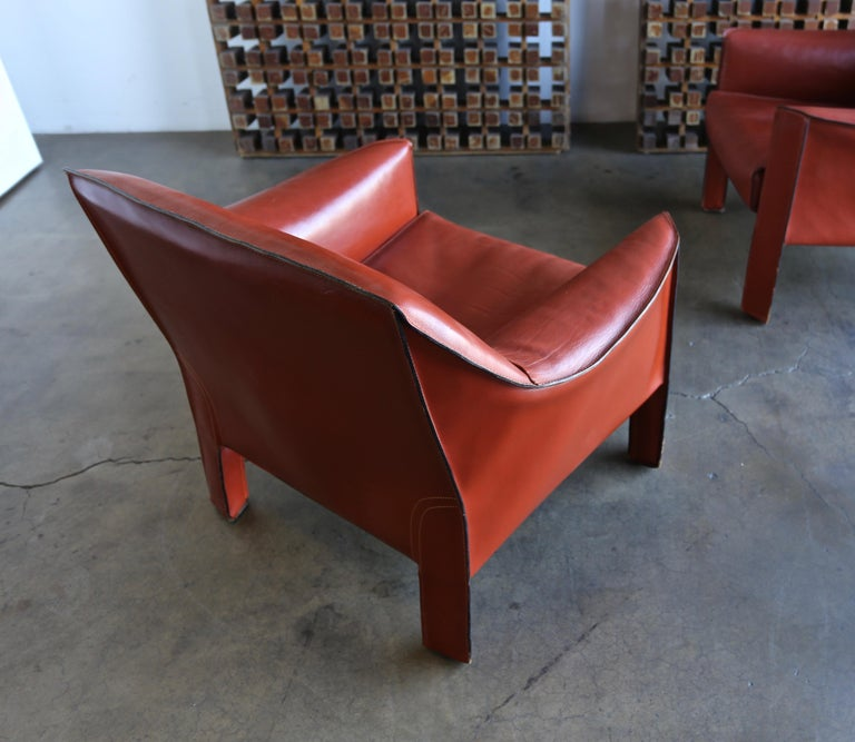Pair of Large CAB Lounge Chairs by Mario Bellini for Cassina For Sale 4