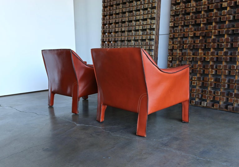 Pair of Large CAB Lounge Chairs by Mario Bellini for Cassina For Sale 5