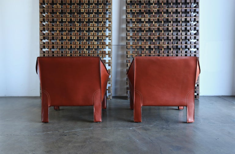 Pair of Large CAB Lounge Chairs by Mario Bellini for Cassina For Sale 6