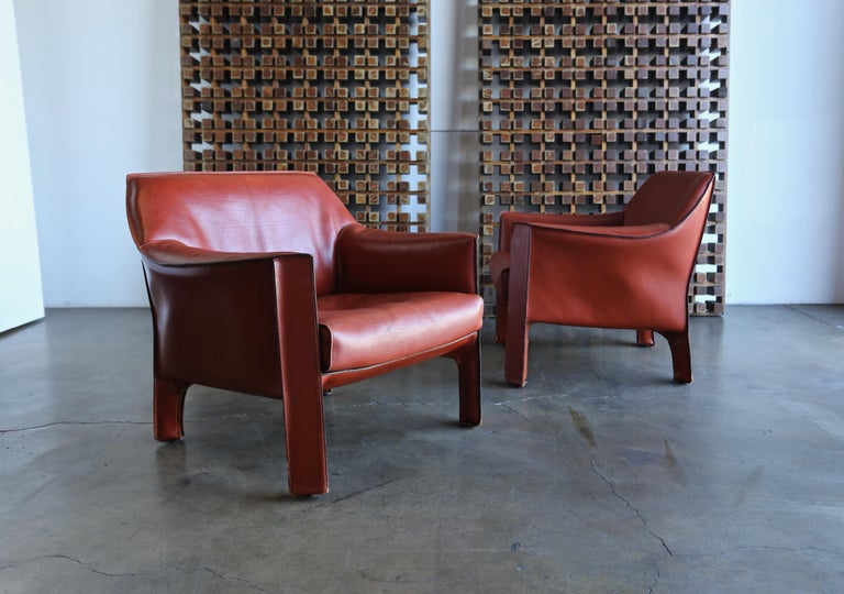 Italian Pair of Large CAB Lounge Chairs by Mario Bellini for Cassina For Sale