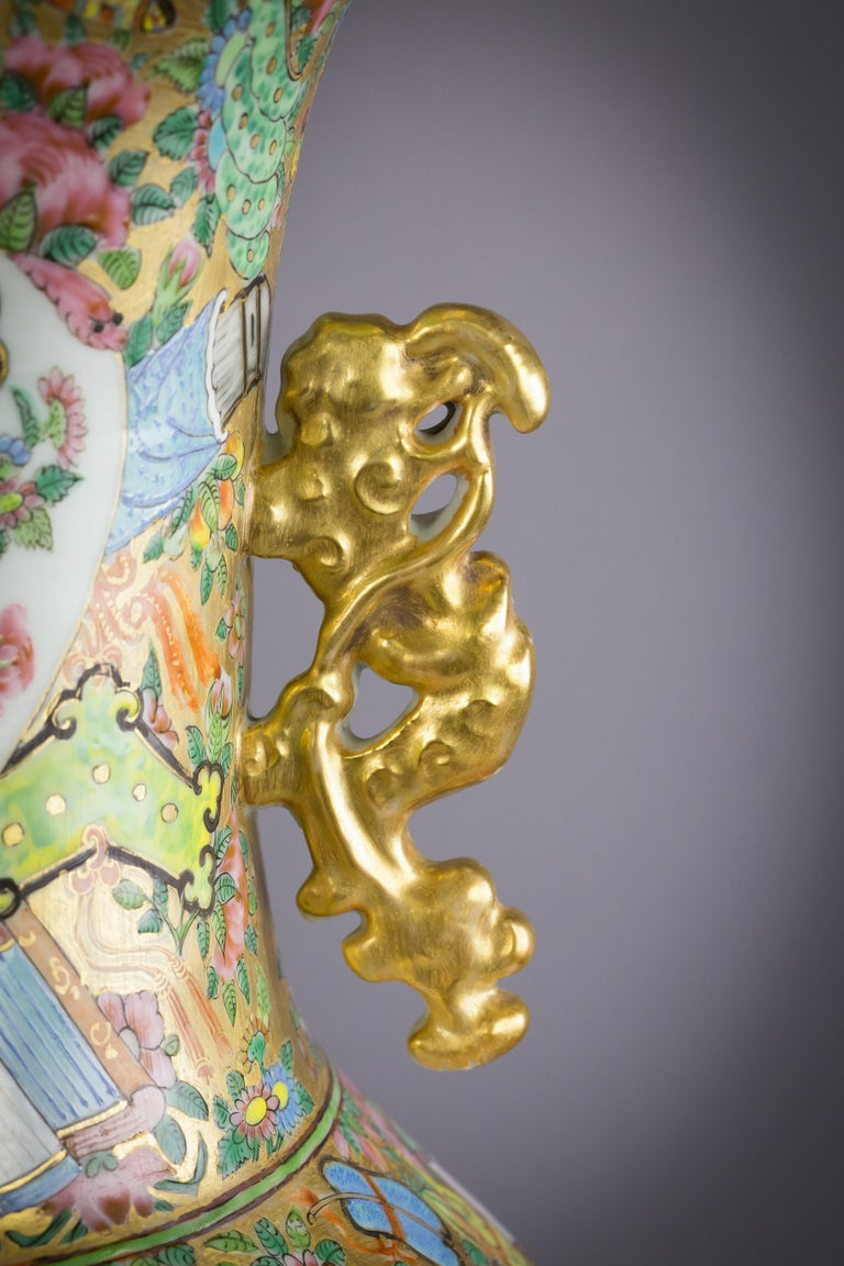 Mid-19th Century Pair of Large Chinese Porcelain Rose Mandarin Vases, circa 1840 For Sale