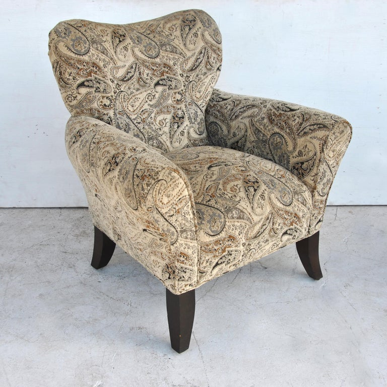 Pair of Large Contemporary Wing Back Chairs In Good Condition For Sale In Pasadena, TX