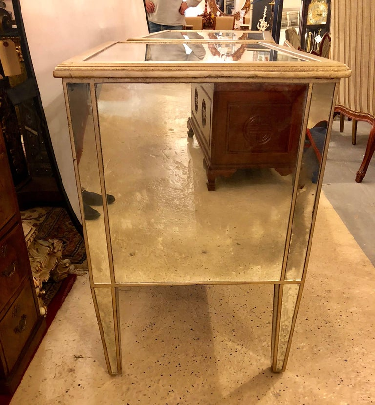 Pair of Large Custom Three-Drawer Antique Mirrored Nightstands or Commodes For Sale 3
