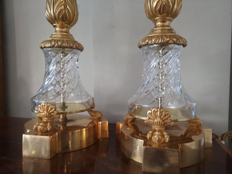 Pair of Large Early 20th Century French Crystal and Bronze Lamps In Good Condition For Sale In London, GB