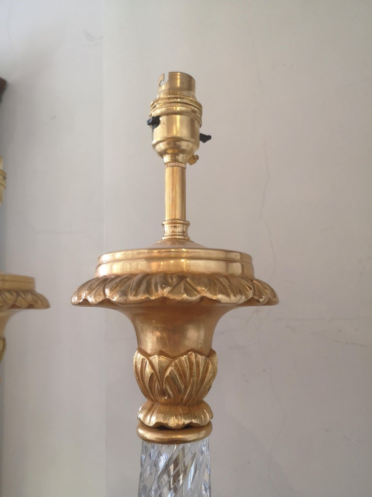 Pair of Large Early 20th Century French Crystal and Bronze Lamps For Sale 2