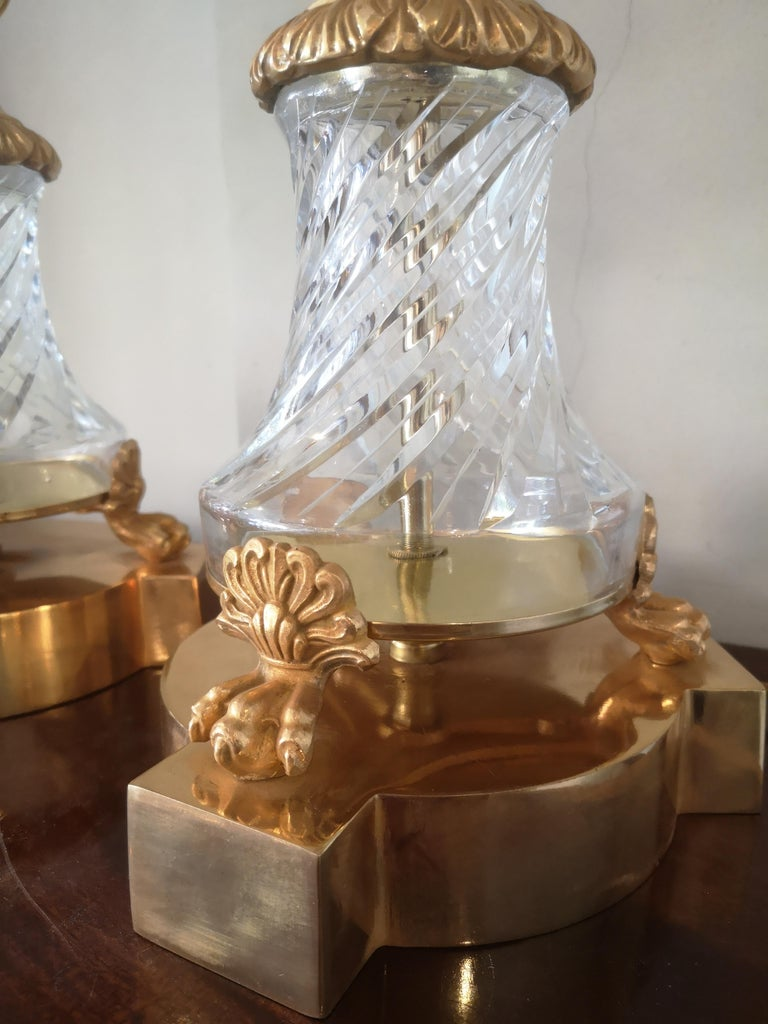 Pair of Large Early 20th Century French Crystal and Bronze Lamps For Sale 4
