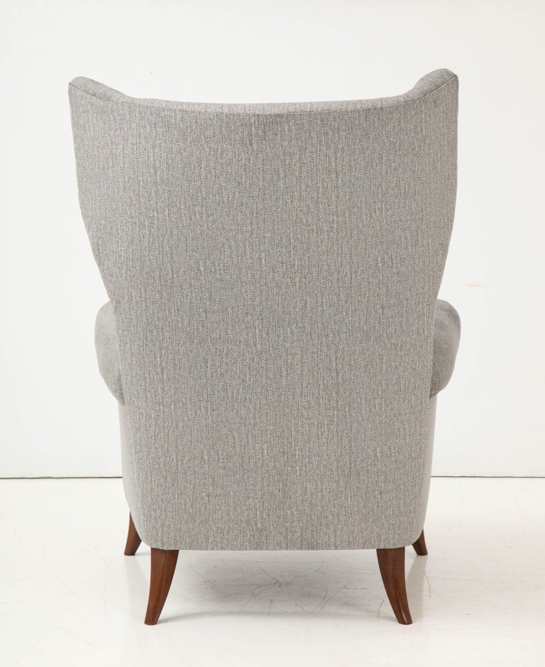 Upholstery Pair of Large Gio Ponti Style Midcentury Gray Italian Lounge Chairs For Sale