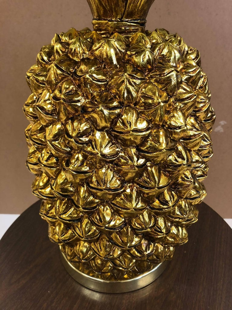 Pair of Large Hollywood Regency Gold Pineapple Lamps In Good Condition For Sale In New York, NY