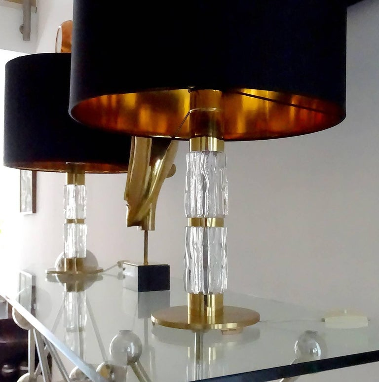 Pair of MidCentuy Modern Kalmar  Glass Table Lamps with Brass Fittings For Sale 4
