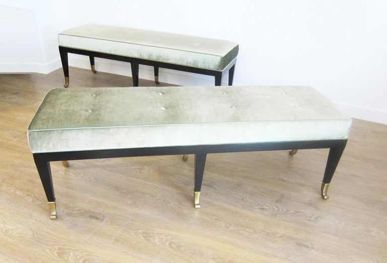 Pair of Large Neoclassical Style Upholstered Benches In Excellent Condition For Sale In Miami, FL